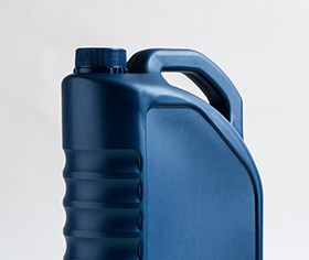 Portable fuel container